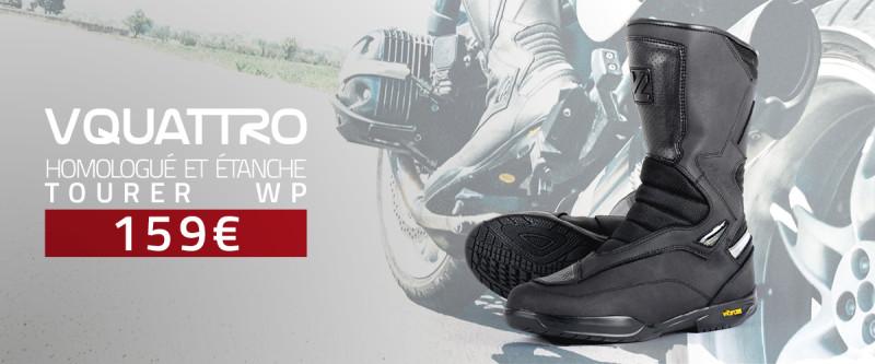 bottes moto dans votre garage sur pertuis