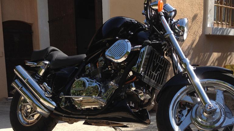 moto occasion pertuis dans votre garage moto. Black Bedroom Furniture Sets. Home Design Ideas